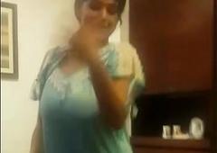 tamil hot aunty dance