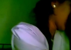 www.indiangirls.tk INDIAN Day Second-rate Giving a kiss MMS SCANDAL
