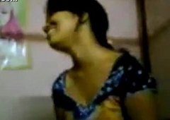 Indian Hawt Desi Girlfriend nude clip exposed by her boyfriend after her wedding - Wowmoyback